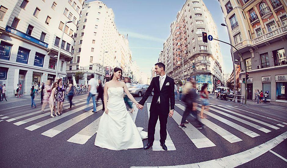 La boda de Guillermo y Raquel en Pozuelo De Alarcón, Madrid