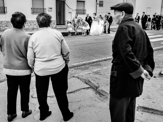 La boda de David y Almudena en Benavente, Zamora 19
