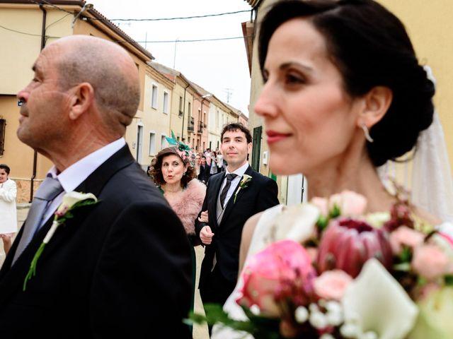 La boda de David y Almudena en Benavente, Zamora 22