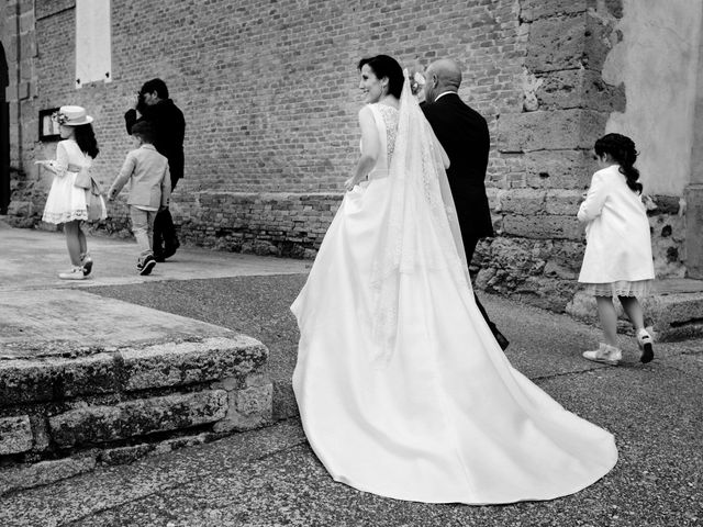 La boda de David y Almudena en Benavente, Zamora 23