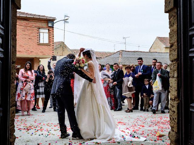 La boda de David y Almudena en Benavente, Zamora 28