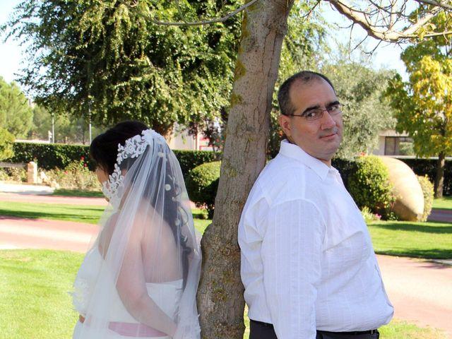 La boda de Miguel Ángel y Amparo  en Alcalá De Henares, Madrid 12