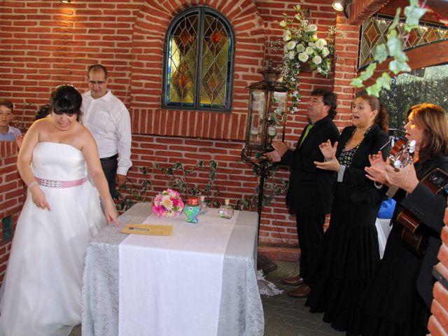 La boda de Miguel Ángel y Amparo  en Alcalá De Henares, Madrid 41