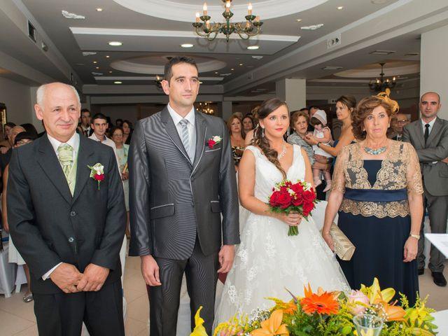 La boda de Javier y Paula en Bueu (Resto Parroquia), Pontevedra 1