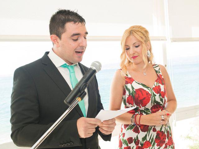 La boda de Javier y Paula en Bueu (Resto Parroquia), Pontevedra 5