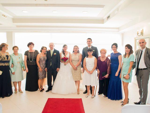 La boda de Javier y Paula en Bueu (Resto Parroquia), Pontevedra 6
