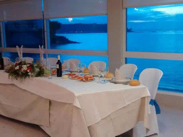 La boda de Javier y Paula en Bueu (Resto Parroquia), Pontevedra 13