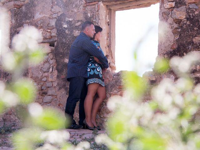 La boda de Iñaki y Vicky en Algar De Palancia, Valencia 3