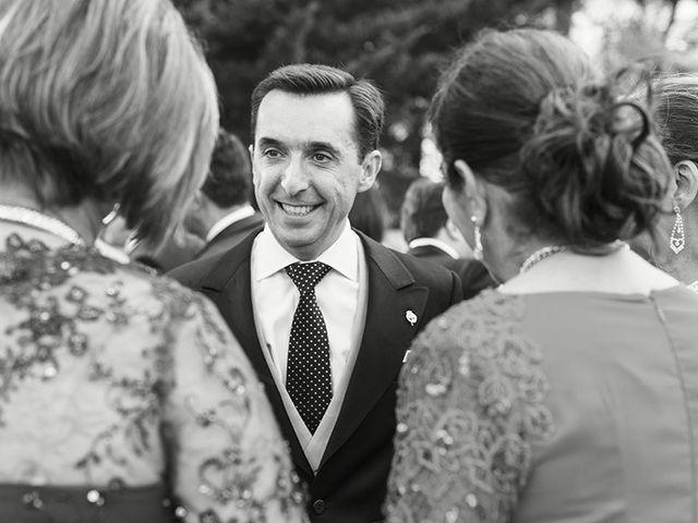 La boda de José Luis y Tatiana en Soto De Viñuelas, Madrid 17