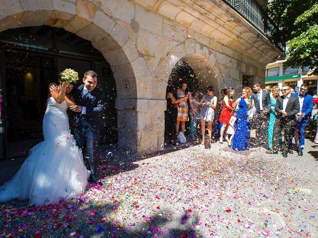 La boda de Borja y Janire en Zamudio, Vizcaya 15
