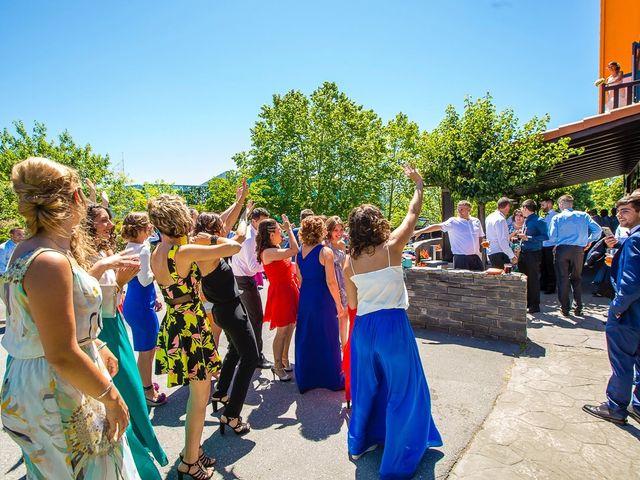 La boda de Borja y Janire en Zamudio, Vizcaya 25