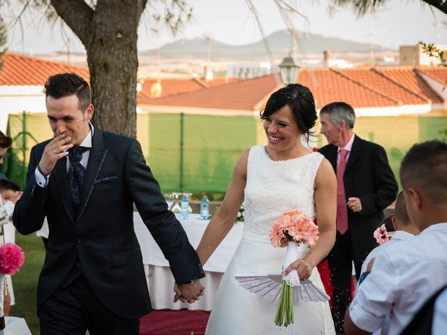 La boda de Javi y Sonia en Mérida, Badajoz 23