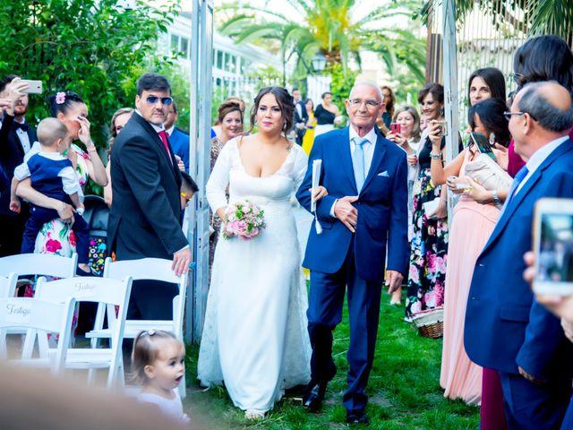 La boda de Fernando y Virginia en Almendralejo, Badajoz 33