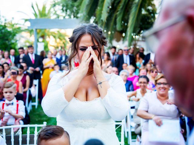 La boda de Fernando y Virginia en Almendralejo, Badajoz 42