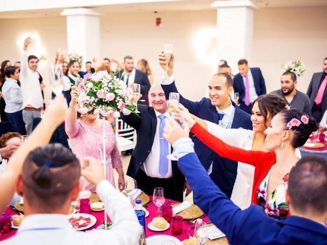 La boda de Fernando y Virginia en Almendralejo, Badajoz 48