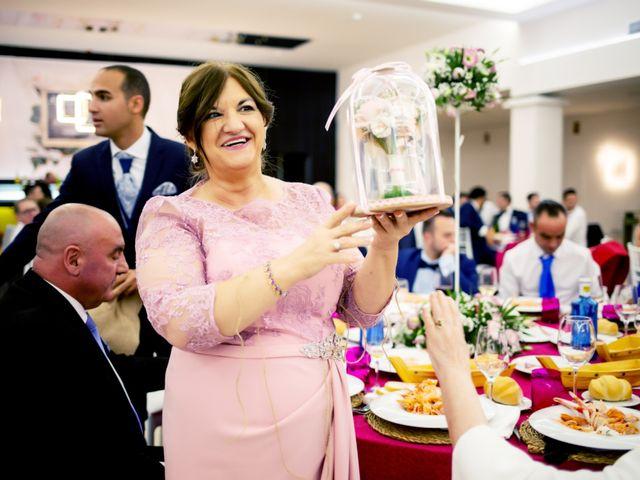 La boda de Fernando y Virginia en Almendralejo, Badajoz 49