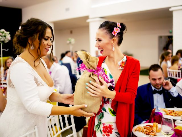 La boda de Fernando y Virginia en Almendralejo, Badajoz 50