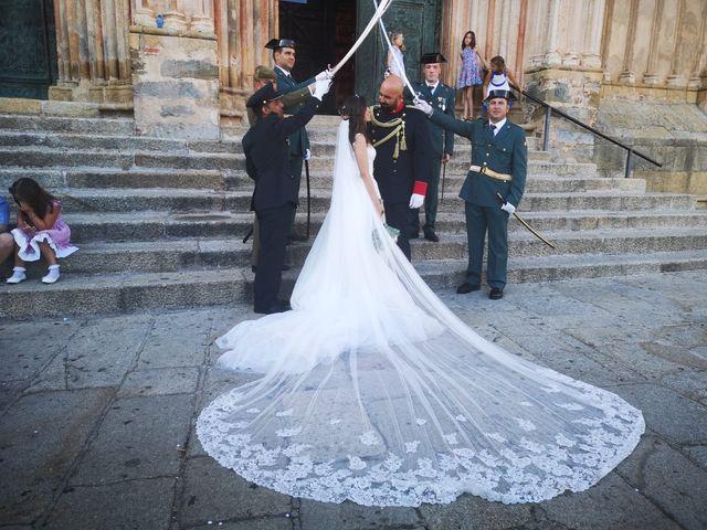 La boda de Oscar y Nuria en Guadalupe, Cáceres 3