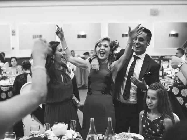 La boda de Cristian y Lucia en Petrer, Alicante 23