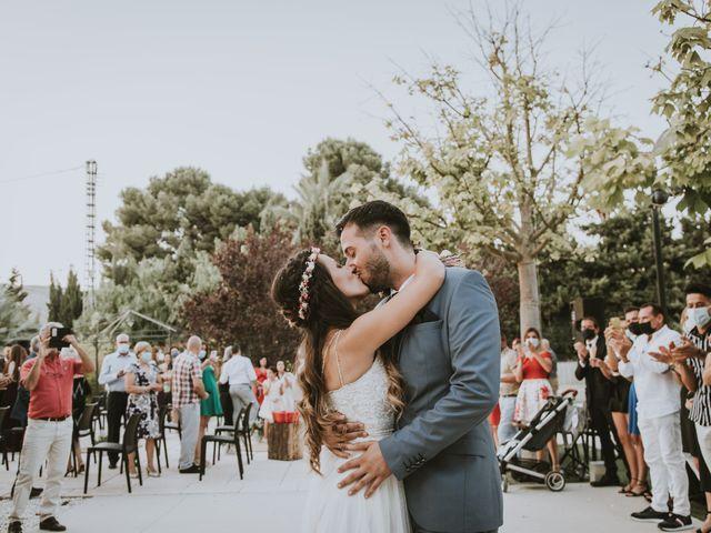 La boda de Roberto y Jennifer en Elda, Alicante 15