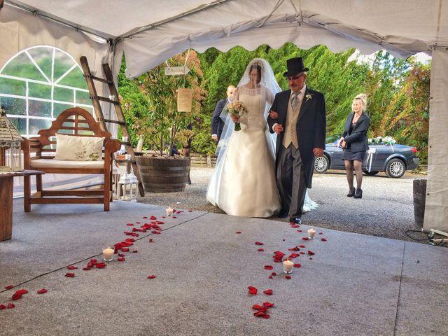 La boda de Mark y Irene en Lleida, Lleida 17