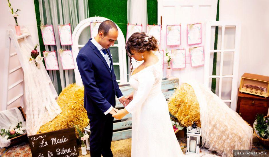 La boda de Fernando y Virginia en Almendralejo, Badajoz