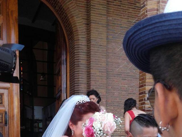 La boda de Dennys Andrés  y Leslie  en L' Hospitalet De Llobregat, Barcelona 12