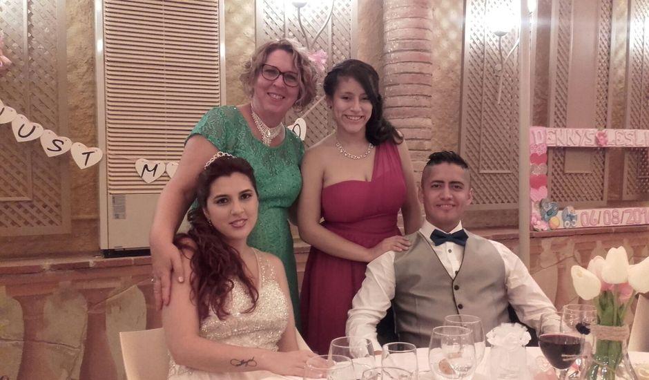 La boda de Dennys Andrés  y Leslie  en L' Hospitalet De Llobregat, Barcelona