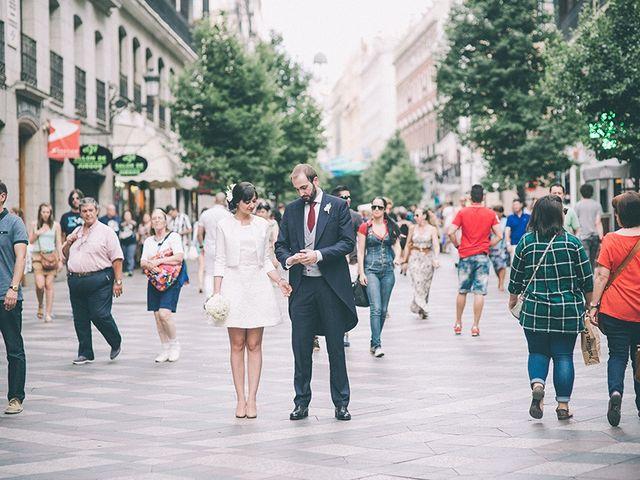 La boda de Oliver y Laura en Madrid, Madrid 49