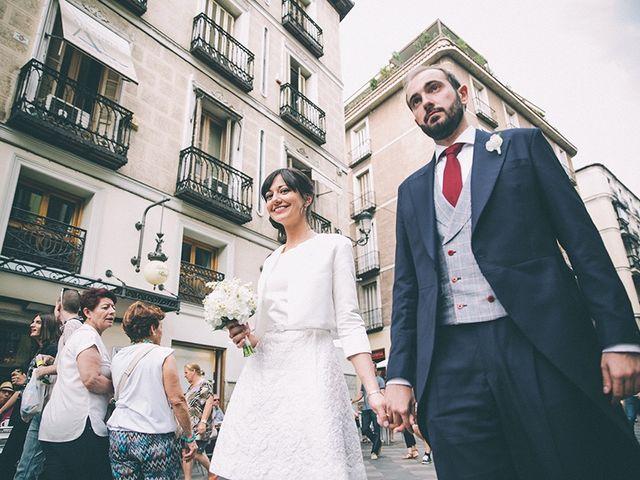 La boda de Oliver y Laura en Madrid, Madrid 50