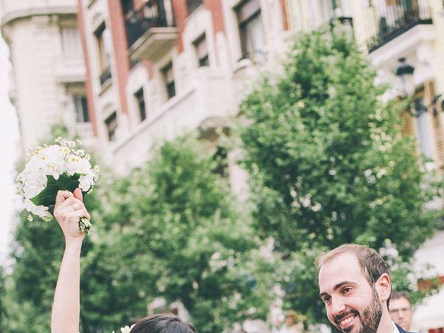La boda de Oliver y Laura en Madrid, Madrid 52