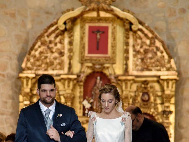 La boda de Edu y Ana en Valdastillas, Cáceres 14