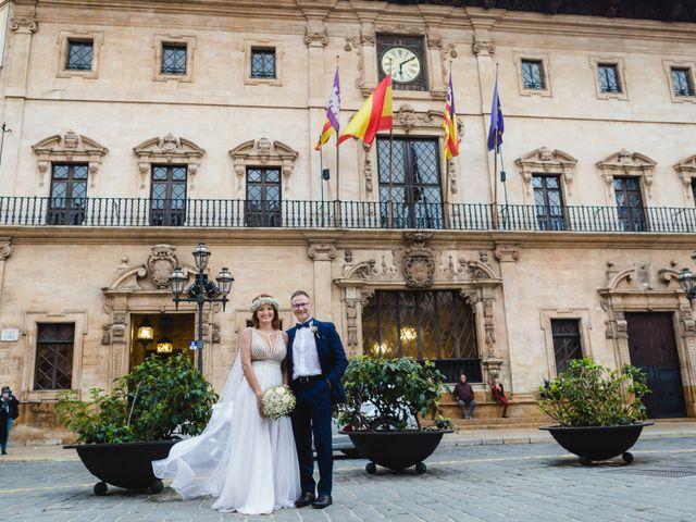 La boda de Gines y Asma en Palma De Mallorca, Islas Baleares 35
