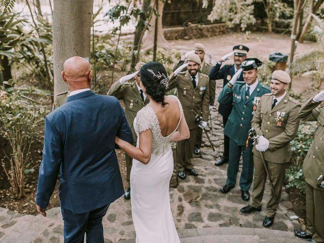 La boda de Elena y Jonás en Las Palmas De Gran Canaria, Las Palmas 24