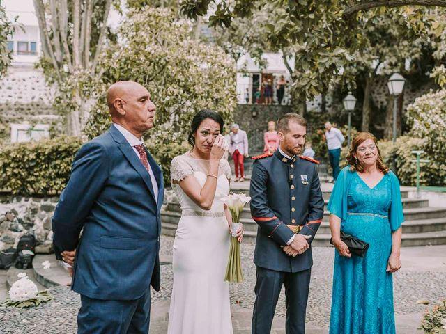 La boda de Elena y Jonás en Las Palmas De Gran Canaria, Las Palmas 25