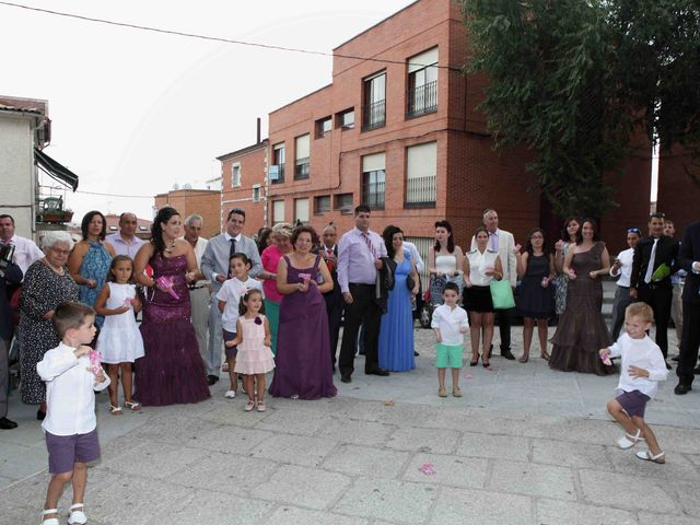 La boda de Tomás y Sonia en San Agustin De Guadalix, Madrid 9