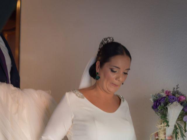 La boda de Miguel Ángel y Mercedes en Sevilla, Sevilla 28