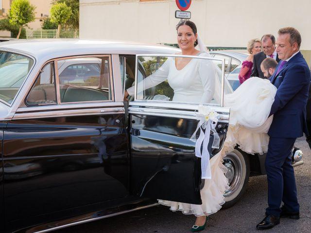 La boda de Miguel Ángel y Mercedes en Sevilla, Sevilla 30