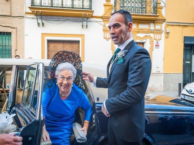 La boda de Miguel Ángel y Mercedes en Sevilla, Sevilla 32