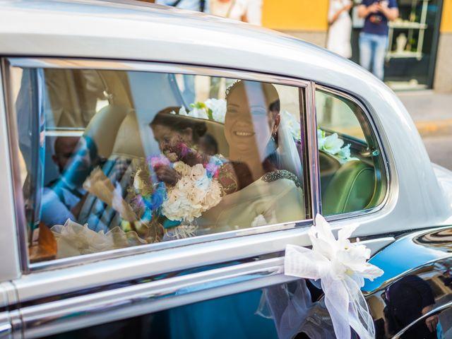 La boda de Miguel Ángel y Mercedes en Sevilla, Sevilla 35