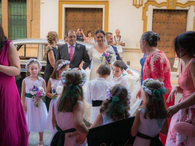 La boda de Miguel Ángel y Mercedes en Sevilla, Sevilla 37