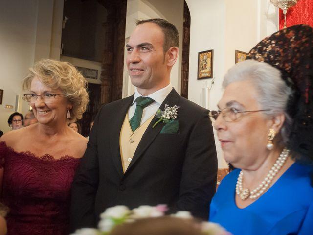 La boda de Miguel Ángel y Mercedes en Sevilla, Sevilla 38