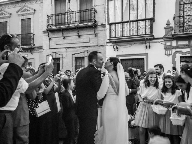 La boda de Miguel Ángel y Mercedes en Sevilla, Sevilla 56