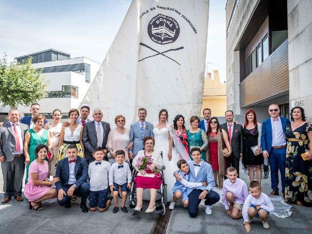La boda de Marcos Estevez y Elena Otero en Isla De Arosa, Pontevedra 2
