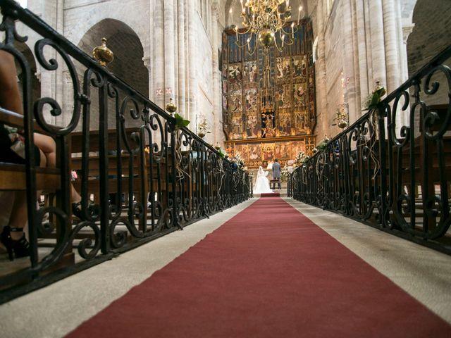 La boda de Raúl y Laura en Tudela, Navarra 5