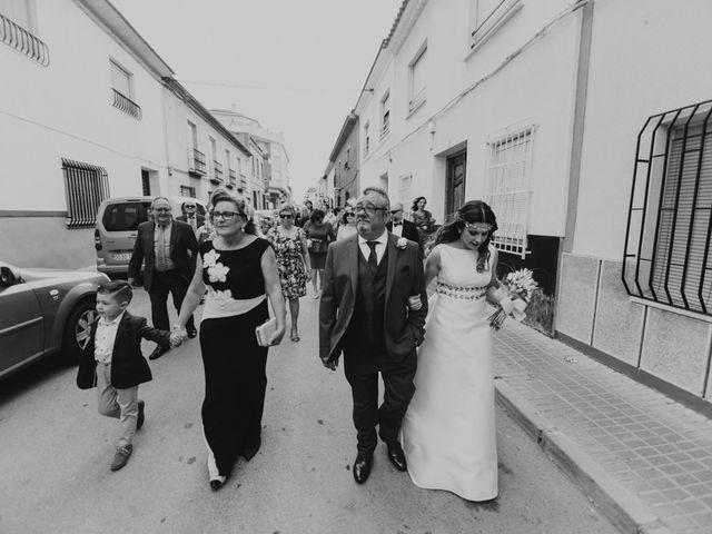 La boda de Oscar y Virginia en Pedro Muñoz, Cáceres 7