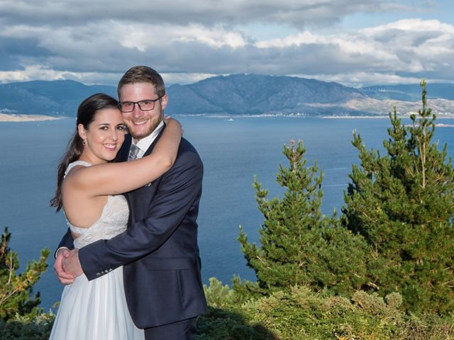 La boda de Severin y Adriana en Fisterra (Santa Maria), A Coruña 1