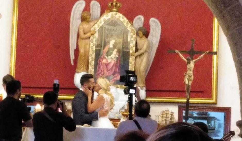 La boda de Doramas  y Naira en Puerto De Las Nieves, Las Palmas