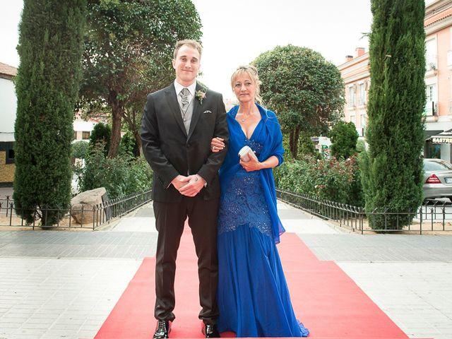 La boda de Manu y Bea en Navalcarnero, Madrid 23