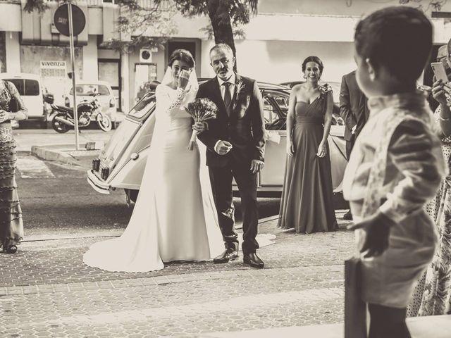 La boda de Francisco Javier y Mª José en La Rinconada, Sevilla 10